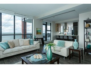 """Photo 7: 1501 258 SIXTH Street in New Westminster: Downtown NW Condo for sale in """"258"""" : MLS®# V1068921"""