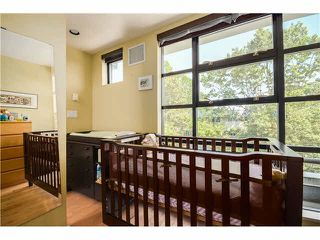 "Photo 9: 690 W 16TH Avenue in Vancouver: Cambie Townhouse for sale in ""HEATHERVIEW"" (Vancouver West)  : MLS®# V1069354"
