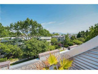 "Photo 12: 690 W 16TH Avenue in Vancouver: Cambie Townhouse for sale in ""HEATHERVIEW"" (Vancouver West)  : MLS®# V1069354"