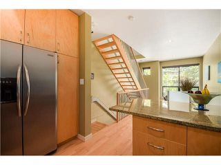 "Photo 6: 690 W 16TH Avenue in Vancouver: Cambie Townhouse for sale in ""HEATHERVIEW"" (Vancouver West)  : MLS®# V1069354"