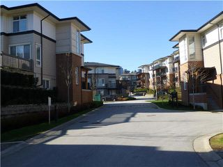 """Photo 2: 57 1125 KENSAL Place in Coquitlam: New Horizons Townhouse for sale in """"KENSAL WALK"""" : MLS®# V1106910"""