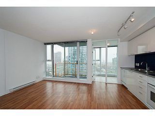 "Photo 1: 2101 131 REGIMENT Square in Vancouver: Downtown VW Condo for sale in ""Spectrum 3"" (Vancouver West)  : MLS®# V1119494"