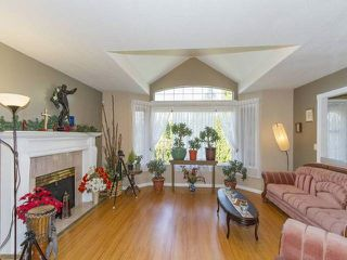 "Photo 2: 7952 144 Street in Surrey: Bear Creek Green Timbers House for sale in ""BRITISH MANOR"" : MLS®# R2049712"