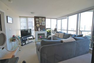 "Photo 2: 1804 1199 SEYMOUR Street in Vancouver: Downtown VW Condo for sale in ""BRAVA"" (Vancouver West)  : MLS®# R2058991"