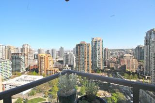 "Photo 13: 1804 1199 SEYMOUR Street in Vancouver: Downtown VW Condo for sale in ""BRAVA"" (Vancouver West)  : MLS®# R2058991"