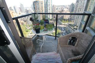 "Photo 12: 1804 1199 SEYMOUR Street in Vancouver: Downtown VW Condo for sale in ""BRAVA"" (Vancouver West)  : MLS®# R2058991"