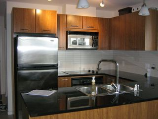 "Photo 4: 1804 1199 SEYMOUR Street in Vancouver: Downtown VW Condo for sale in ""BRAVA"" (Vancouver West)  : MLS®# R2058991"