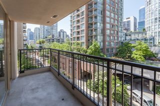 "Photo 13: 603 969 RICHARDS Street in Vancouver: Downtown VW Condo for sale in ""Mondrian"" (Vancouver West)  : MLS®# R2074580"