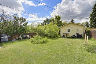 Photo 5: 239 24 Avenue NE in Calgary: House for sale : MLS®# C3621086
