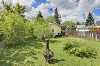 Photo 2: 239 24 Avenue NE in Calgary: House for sale : MLS®# C3621086