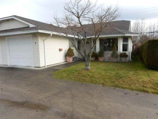 "Photo 1: 2 767 NORTH Road in Gibsons: Gibsons & Area Townhouse for sale in ""North Oaks"" (Sunshine Coast)  : MLS®# R2133128"