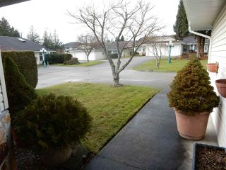 "Photo 2: 2 767 NORTH Road in Gibsons: Gibsons & Area Townhouse for sale in ""North Oaks"" (Sunshine Coast)  : MLS®# R2133128"