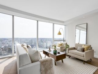 "Photo 5: 4703 938 NELSON Street in Vancouver: Downtown VW Condo for sale in ""One Wall Centre"" (Vancouver West)  : MLS®# R2155390"