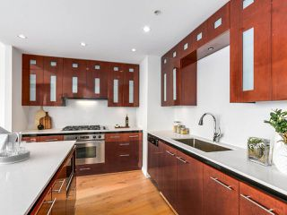 "Photo 9: 4703 938 NELSON Street in Vancouver: Downtown VW Condo for sale in ""One Wall Centre"" (Vancouver West)  : MLS®# R2155390"