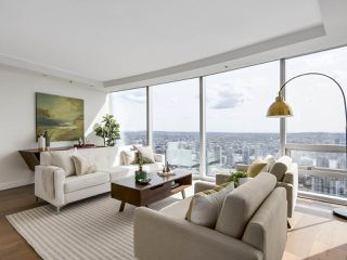 "Photo 3: 4703 938 NELSON Street in Vancouver: Downtown VW Condo for sale in ""One Wall Centre"" (Vancouver West)  : MLS®# R2155390"