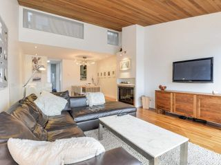 """Photo 3: 2264 ALDER Street in Vancouver: Fairview VW Townhouse for sale in """"Marina Place"""" (Vancouver West)  : MLS®# R2163720"""
