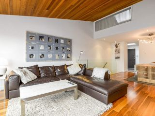 """Photo 4: 2264 ALDER Street in Vancouver: Fairview VW Townhouse for sale in """"Marina Place"""" (Vancouver West)  : MLS®# R2163720"""
