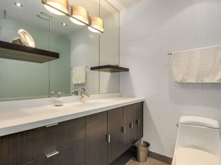 """Photo 11: 2264 ALDER Street in Vancouver: Fairview VW Townhouse for sale in """"Marina Place"""" (Vancouver West)  : MLS®# R2163720"""