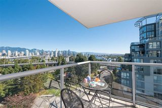 Photo 4: 702 1485 W 6TH AVENUE in Vancouver: False Creek Condo for sale (Vancouver West)  : MLS®# R2158110
