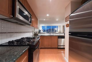 Photo 10: 702 1485 W 6TH AVENUE in Vancouver: False Creek Condo for sale (Vancouver West)  : MLS®# R2158110