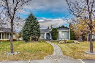 Photo 1: 132 LAKE ADAMS Green SE in Calgary: Lake Bonavista House for sale : MLS®# C4142300
