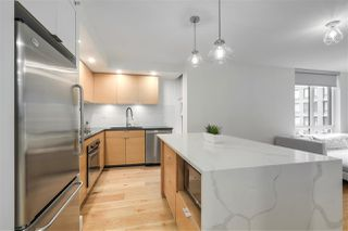 "Photo 11: 701 1055 HOMER Street in Vancouver: Yaletown Condo for sale in ""DOMUS"" (Vancouver West)  : MLS®# R2245913"