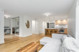 "Photo 6: 701 1055 HOMER Street in Vancouver: Yaletown Condo for sale in ""DOMUS"" (Vancouver West)  : MLS®# R2245913"