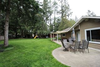 "Photo 16: 3637 202A Street in Langley: Brookswood Langley House for sale in ""Brookswood"" : MLS®# R2260074"