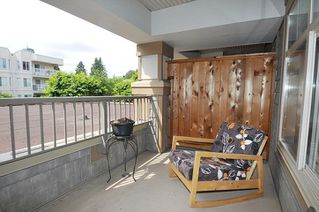 "Photo 13: 214 12238 224 Street in Maple Ridge: East Central Condo for sale in ""THE URBANO"" : MLS®# R2275393"