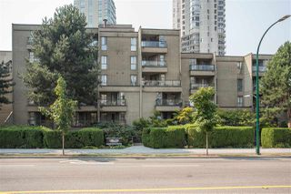 "Photo 3: PH7 1040 PACIFIC Street in Vancouver: West End VW Condo for sale in ""CHELSEA TERRACE"" (Vancouver West)  : MLS®# R2300561"