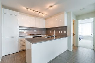 Photo 3: 2105 6658 DOW Avenue in Burnaby: Metrotown Condo for sale (Burnaby South)  : MLS®# R2306014