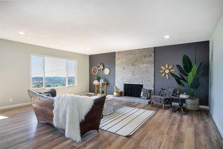 Photo 2: VISTA House for sale : 4 bedrooms : 2268 Esplendido Ave