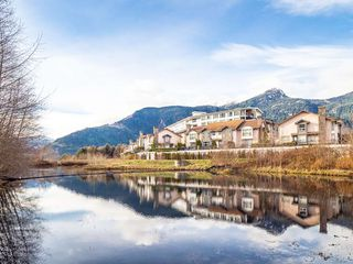 """Main Photo: 11 1204 MAIN Street in Squamish: Downtown SQ Townhouse for sale in """"Aqua Townhouses"""" : MLS®# R2337505"""