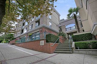 "Main Photo: 410 332 LONSDALE Avenue in North Vancouver: Lower Lonsdale Condo for sale in ""CALYPSO"" : MLS®# R2340056"