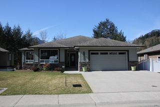 Photo 1: 21235 KETTLE VALLEY Place in Hope: Hope Kawkawa Lake House for sale : MLS®# R2352159