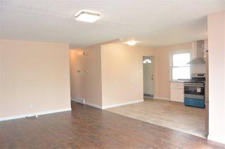 Photo 2:  in Edmonton: Zone 01 House Half Duplex for sale : MLS®# E4151027