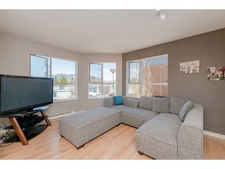 """Photo 3: 308 2285 PITT RIVER Road in Port Coquitlam: Central Pt Coquitlam Condo for sale in """"Shaughnessy Manor"""" : MLS®# R2356679"""