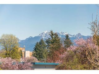 "Photo 2: 308 2285 PITT RIVER Road in Port Coquitlam: Central Pt Coquitlam Condo for sale in ""Shaughnessy Manor"" : MLS®# R2356679"