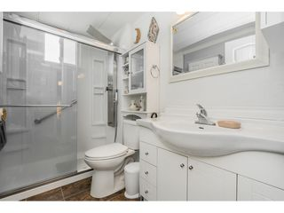 """Photo 11: 141 1840 160 Street in Surrey: King George Corridor Manufactured Home for sale in """"BREAKAWAY BAYS"""" (South Surrey White Rock)  : MLS®# R2367996"""