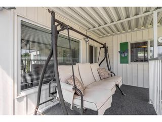 """Photo 16: 141 1840 160 Street in Surrey: King George Corridor Manufactured Home for sale in """"BREAKAWAY BAYS"""" (South Surrey White Rock)  : MLS®# R2367996"""