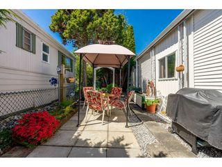 """Photo 14: 141 1840 160 Street in Surrey: King George Corridor Manufactured Home for sale in """"BREAKAWAY BAYS"""" (South Surrey White Rock)  : MLS®# R2367996"""