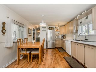 """Photo 6: 141 1840 160 Street in Surrey: King George Corridor Manufactured Home for sale in """"BREAKAWAY BAYS"""" (South Surrey White Rock)  : MLS®# R2367996"""