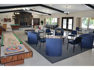 """Photo 19: 141 1840 160 Street in Surrey: King George Corridor Manufactured Home for sale in """"BREAKAWAY BAYS"""" (South Surrey White Rock)  : MLS®# R2367996"""
