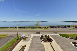 Photo 4: 9346 LOCHSIDE Drive in SAANICHTON: Si Sidney South-East Single Family Detached for sale (Sidney)  : MLS®# 411073