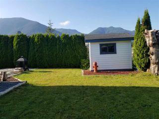 "Photo 2: 45 41168 LOUGHEED Highway in Mission: Dewdney Deroche Manufactured Home for sale in ""OASIS COUNTRY ESTATES"" : MLS®# R2379860"