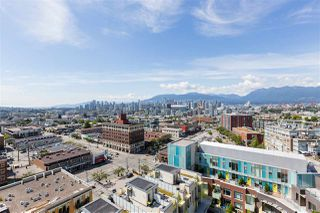 "Main Photo: 1610 285 E 10 Avenue in Vancouver: Mount Pleasant VE Condo for sale in ""The Independant"" (Vancouver East)  : MLS®# R2382603"