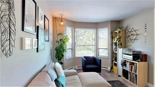 Photo 4: 307 ST. ANDREWS Avenue in North Vancouver: Lower Lonsdale Townhouse for sale : MLS®# R2383124