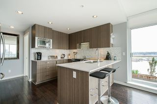 "Photo 14: 704 125 COLUMBIA Street in New Westminster: Downtown NW Condo for sale in ""NORTHBANK"" : MLS®# R2387169"