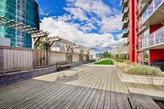 "Photo 20: 704 125 COLUMBIA Street in New Westminster: Downtown NW Condo for sale in ""NORTHBANK"" : MLS®# R2387169"