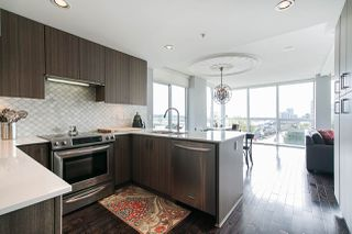 "Photo 2: 704 125 COLUMBIA Street in New Westminster: Downtown NW Condo for sale in ""NORTHBANK"" : MLS®# R2387169"
